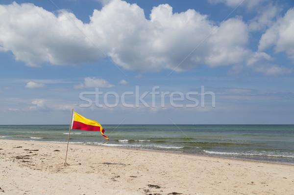 Zwemmen vlag strand Denemarken Rood Geel Stockfoto © oliverfoerstner