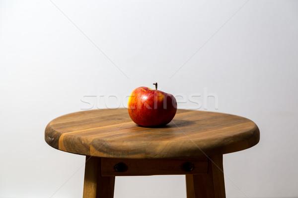 яблоко стул фотографии красное яблоко продовольствие Сток-фото © oliverfoerstner