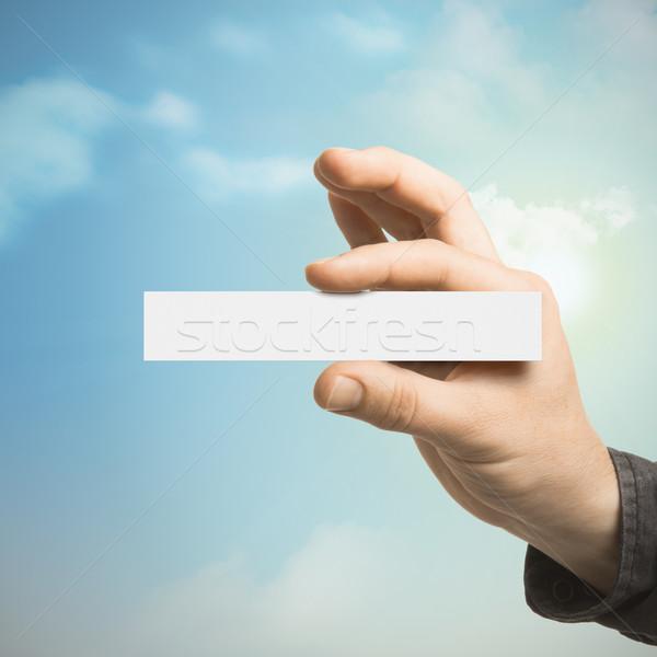 Foto stock: Comunicación · mano · tarjeta · de · visita · uno · tarjeta · en · blanco
