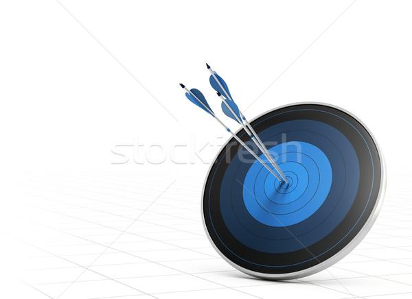 Foto stock: Rendimiento · flecha · objetivo · tres · azul · flechas