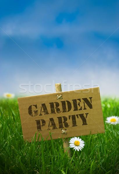 Garden party texte écrit carton panneau fixé Photo stock © olivier_le_moal