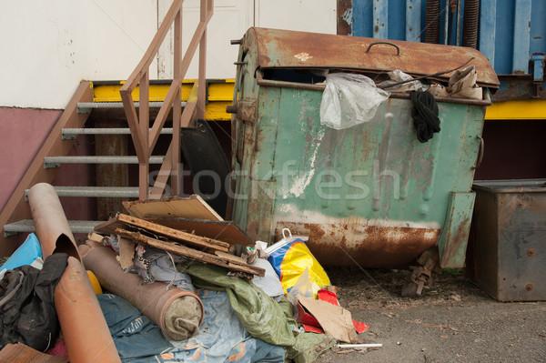 Сток-фото: контейнера · отходов · подробный · мнение · старые