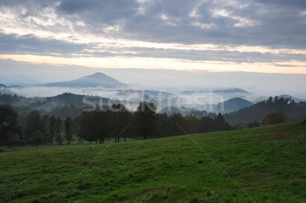 Korai este tájkép köd cseh égbolt Stock fotó © ondrej83