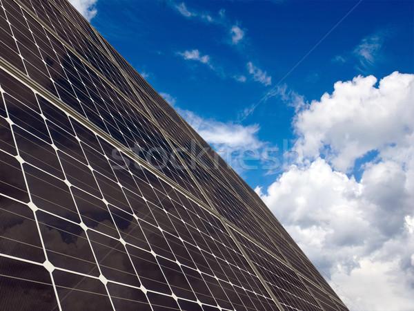 Painéis solares céu verde elétrico moderno solar Foto stock © oorka