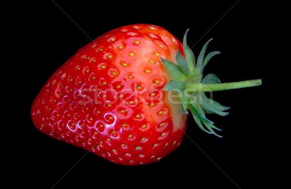 Aardbei vers geïsoleerd zwarte vruchten Rood Stockfoto © oorka