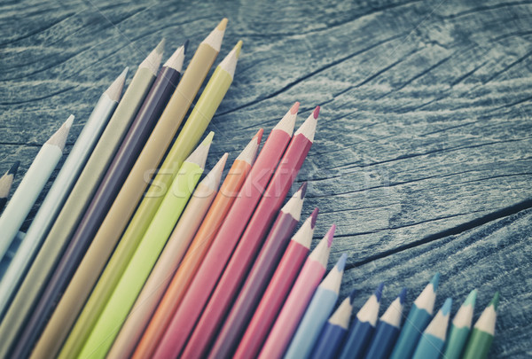 Giz de cera mesa de madeira escritório escolas laranja tabela Foto stock © orla