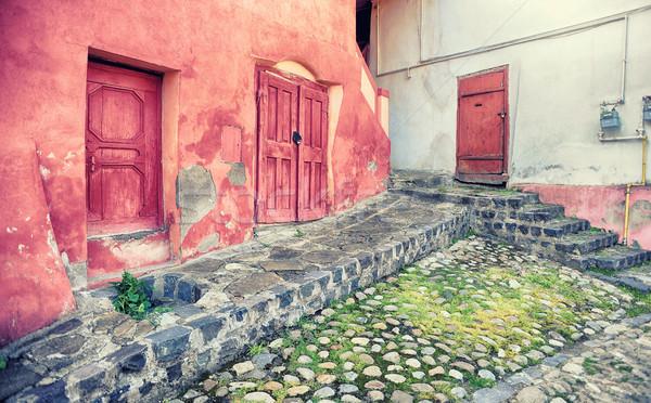 Pequeño calle casa rosa paredes ciudad Foto stock © orla