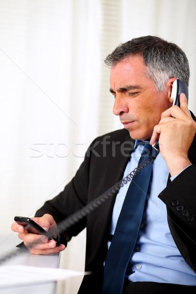 Stockfoto: Latino · senior · zakenman · roepen · telefoon · portret