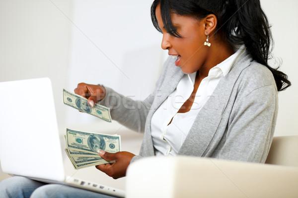 Stockfoto: Opgewonden · vrouw · dollar · portret · ambitieus · vergadering