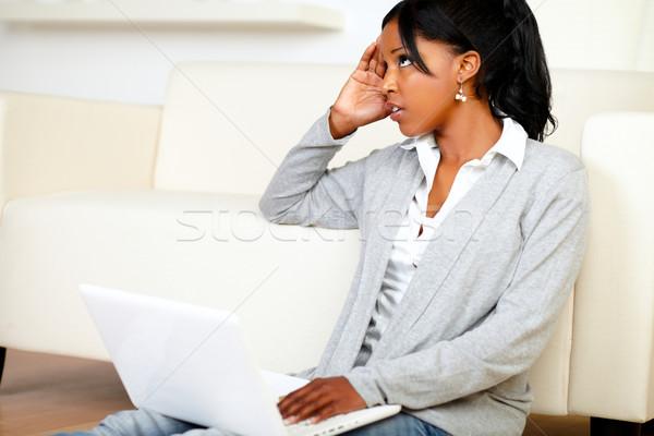 Genç siyah kadın çalışma dizüstü bilgisayar portre Stok fotoğraf © pablocalvog