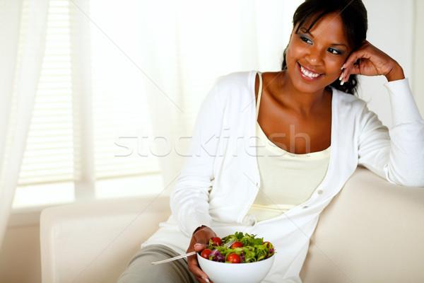 Giovani femminile mangiare sano insalata pranzo ritratto Foto d'archivio © pablocalvog