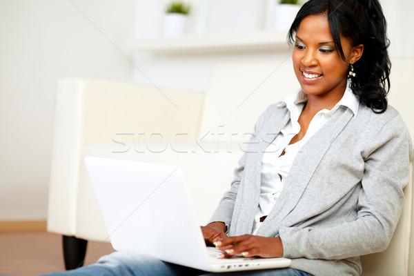 Stockfoto: Student · meisje · glimlachend · naar · laptop · portret