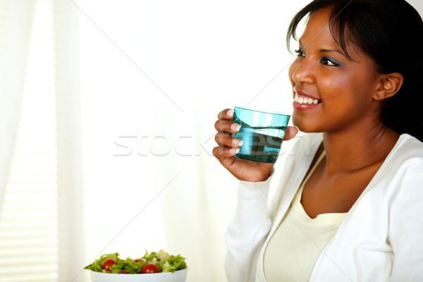 Adulto donna sorridente bere ritratto felice Foto d'archivio © pablocalvog