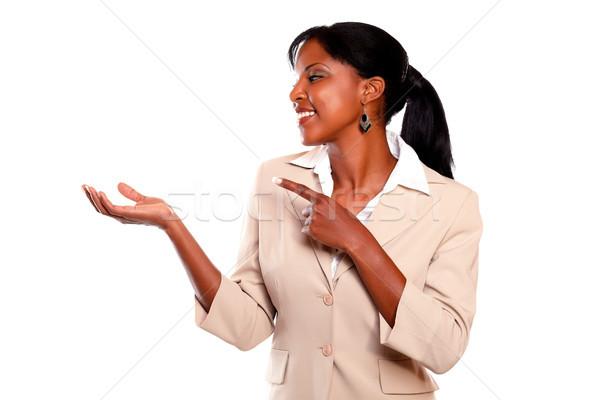 Zdjęcia stock: Czarny · wykonawczej · kobieta · patrząc · wskazując