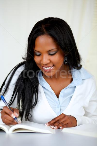 Atrakcyjny Afryki kobieta studia portret miękkie Zdjęcia stock © pablocalvog
