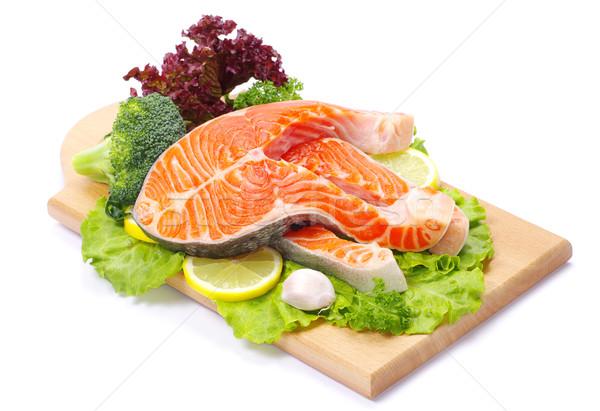 Zalm ruw specerijen geïsoleerd vis olie Stockfoto © Pakhnyushchyy