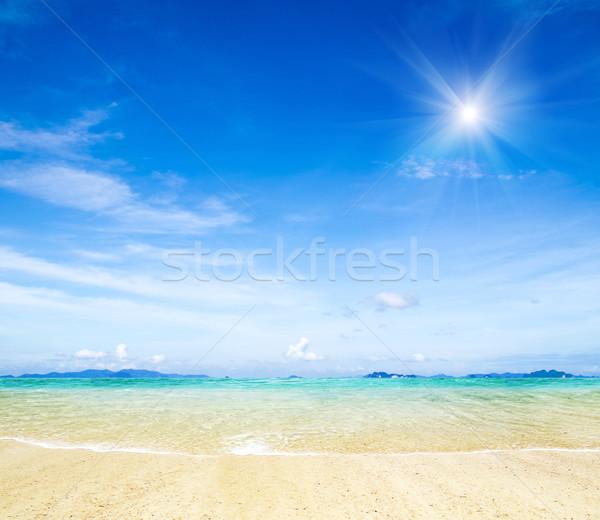 Tenger kék égbolt víz természet nyár Stock fotó © Pakhnyushchyy