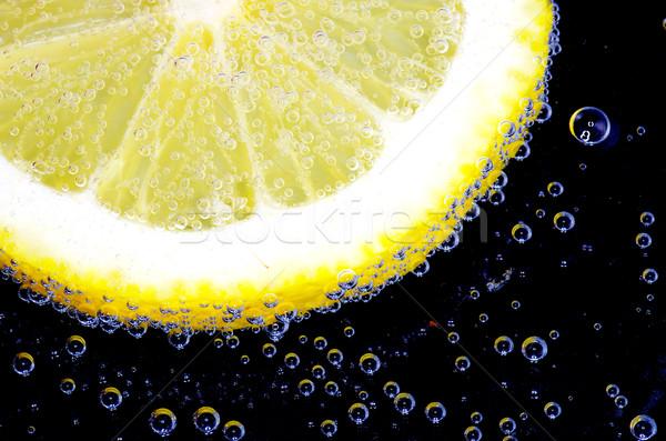 Primer plano burbujas frutas cal frescos Foto stock © Pakhnyushchyy