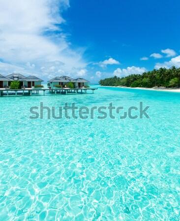 Landschap tropisch eiland water oceaan groene boot Stockfoto © Pakhnyushchyy