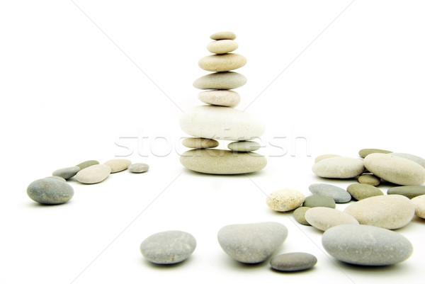 Kiegyensúlyozott kövek boglya fehér kő kő Stock fotó © Pakhnyushchyy