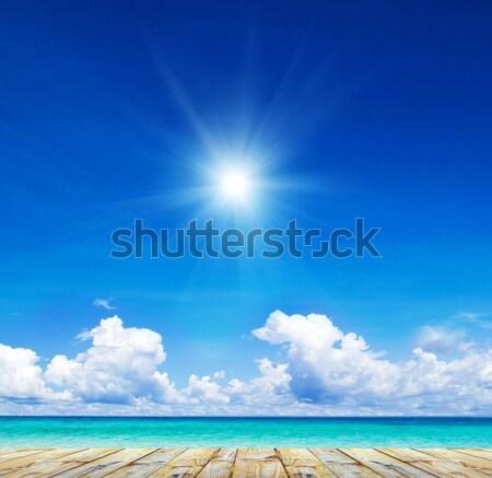 Tenger gyönyörű tengerpart trópusi égbolt nap Stock fotó © Pakhnyushchyy