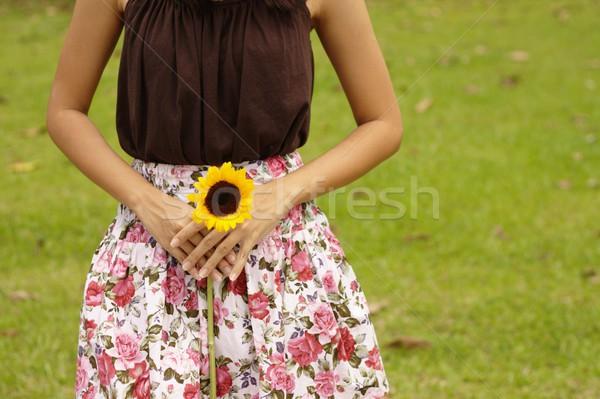 アジア 女性 黄色の花 フィールド 胴 ストックフォト © palangsi