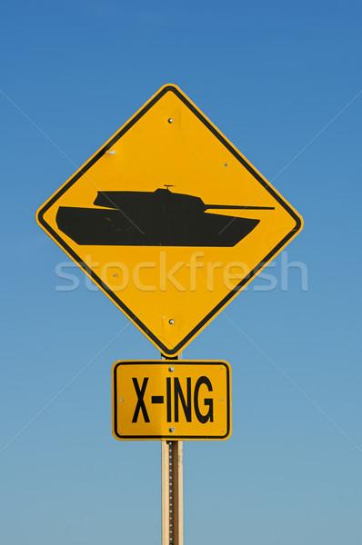 タンク にログイン 黄色 黒 道路標識 軍事 ストックフォト © pancaketom