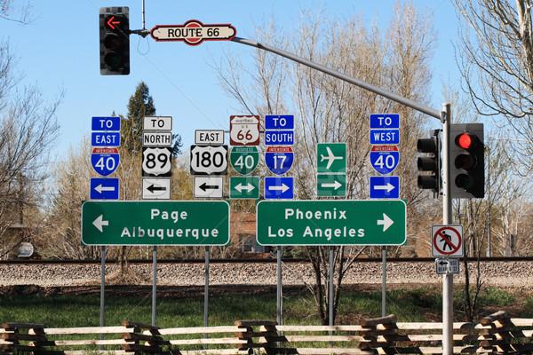Route 66 Kreuzung Zeichen grünen Reise weiß Stock foto © pancaketom