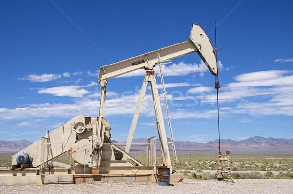Sivatag olajkút pumpa energia elektromos gyártás Stock fotó © pancaketom