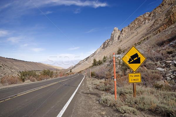 Meredek hegy út százalék felirat Stock fotó © pancaketom