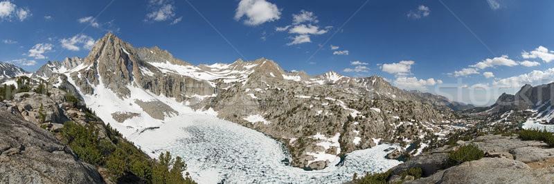 Zdjęcie szczyt głodny jezioro zamrożone Zdjęcia stock © pancaketom