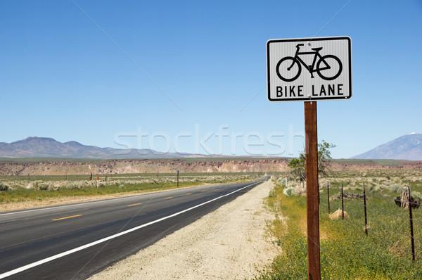Rowerów podpisania strona drogowego prosto Zdjęcia stock © pancaketom