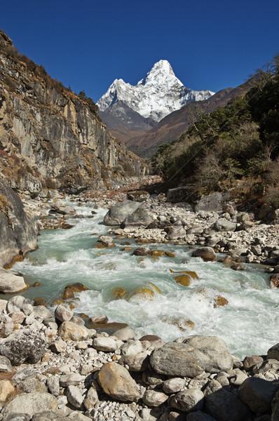 Hegy fölött folyó régió Nepál Himalája Stock fotó © pancaketom