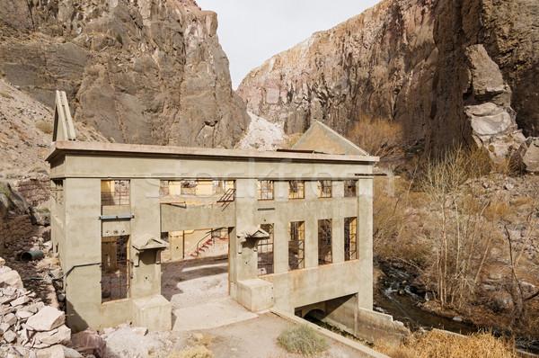 Vieux centrale ruines rivière Photo stock © pancaketom