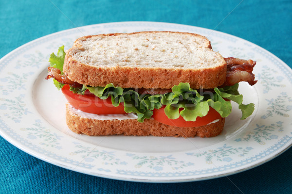 Blt sanduíche bacon alface tomates prato Foto stock © pancaketom
