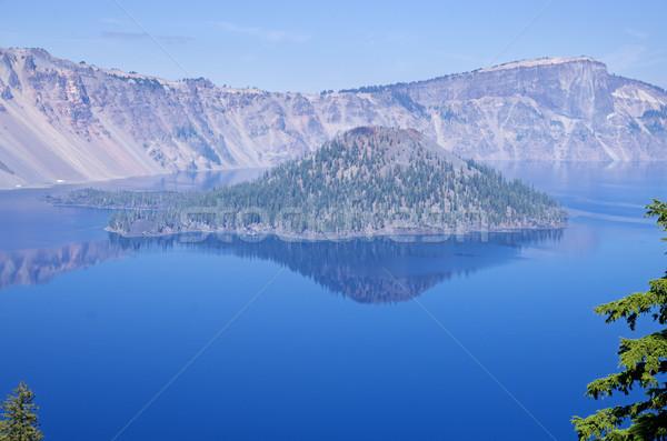 Cratera lago montanha Foto stock © pancaketom