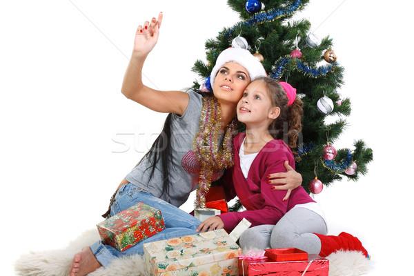 Anya lánygyermek karácsonyfa ajándékok izolált fehér Stock fotó © pandorabox