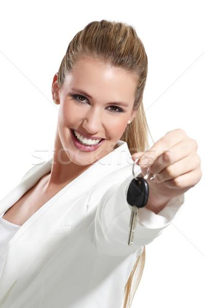 Güzel bir kadın tuşları araba güzel beyaz gülümseme Stok fotoğraf © paolopagani