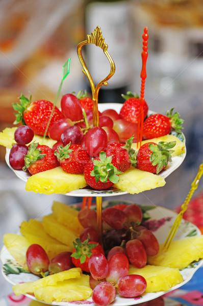 Frutas tres jarrón queso naranja restaurante Foto stock © papa1266