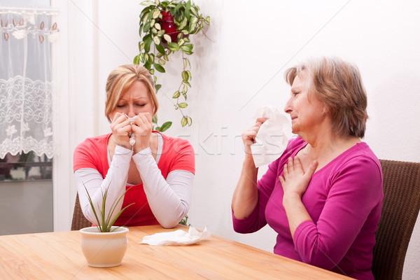 две женщины холодно печально гостиной девушки здоровья Сток-фото © Pasiphae