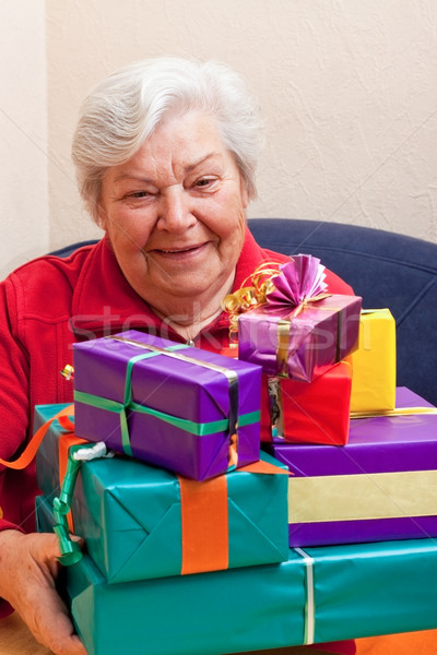 シニア 与える 多くの 贈り物 女性 パーティ ストックフォト © Pasiphae