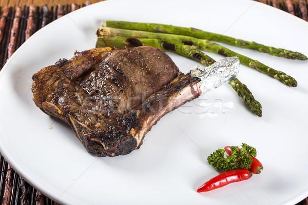 Stock fotó: Grillezett · hús · borda · fehér · tányér · paradicsomok · snidling