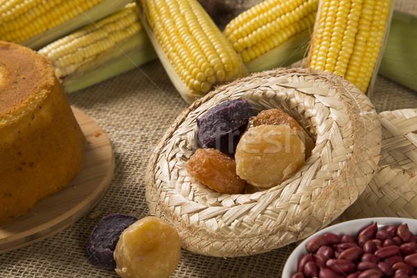 Asztal torta pattogatott kukorica krumpli fesztivál dekoráció Stock fotó © paulovilela