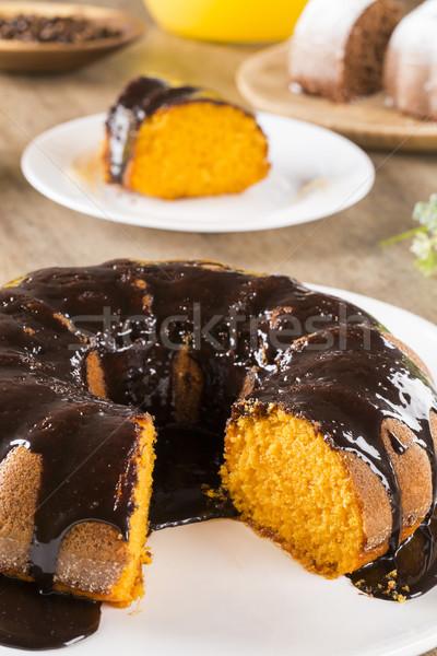 Bolo de cenoura chocolate fatia tabela fundo bolo Foto stock © paulovilela