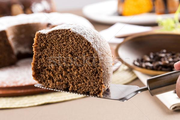 Foto stock: Bolo · de · chocolate · tabela · bolo · de · cenoura · bolo · branco · cozinhar