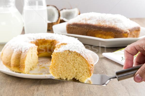 Hindistan cevizi kek dilim tablo gıda arka plan Stok fotoğraf © paulovilela