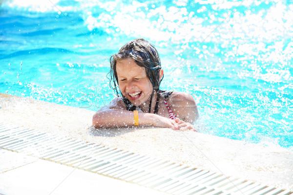 Uśmiechnięty cute dziewczynka basen dość Zdjęcia stock © PawelSierakowski