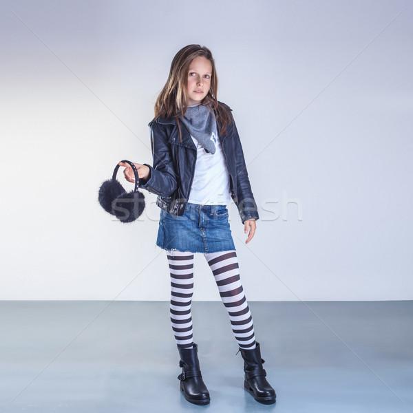 Modny nastolatek dziewczyna młodych stwarzające studio Zdjęcia stock © PawelSierakowski