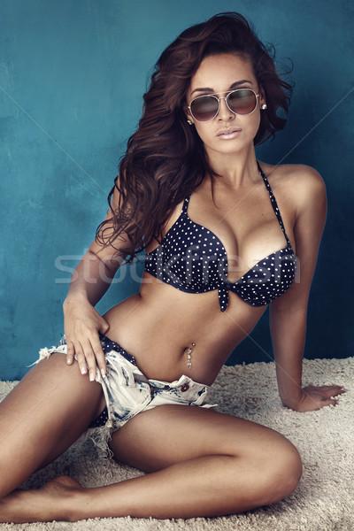 Portret atrakcyjna dziewczyna dzień atrakcyjny brunetka piękna Zdjęcia stock © PawelSierakowski