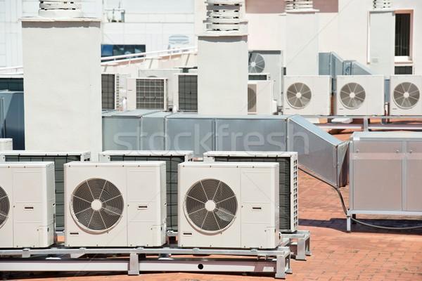 Légkondicionálás kilátás tető épület nagy felszerlés Stock fotó © pedrosala